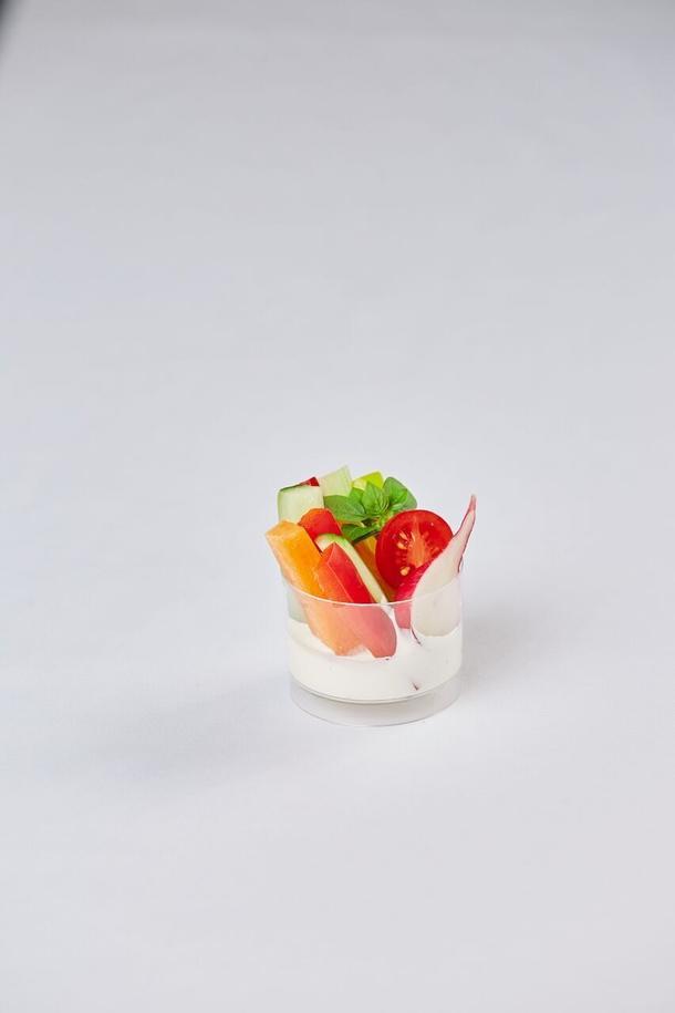 Овощное крудите с соусом блю-чиз