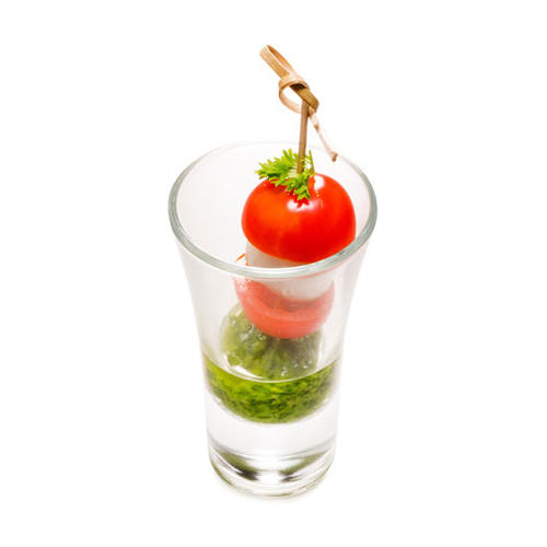 Канапе Моцарелла с томатами черри в шоте с соусом Песто